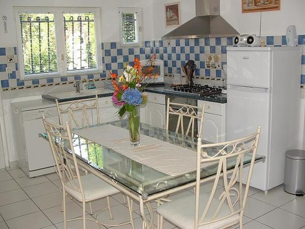 Holiday rentals gironde gites et maisons de vacance gite for Chauffe piscine