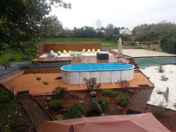 Gites chambres d 39 hotes calvados chateau de conde for Carpiquet piscine